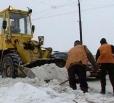 На региональных дорогах области продолжает работать снегоуборочная техника