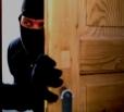 В Вольске неизвестные украли шуруповерт и рубанок