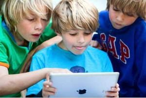 Kids-Reading-a-Tablet-1